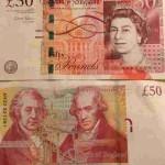 Английские фунты, которые и нужно запрашивать при получении наличных в почтовом офисе или в банке