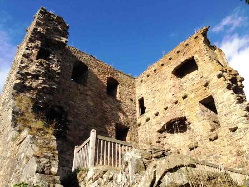Похоже, в замке Драмин было три этажа — It seems there were three floors in Drumin Castle