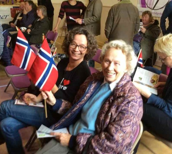 Норвежская группа поддержки перетянула мою шотландку к себе