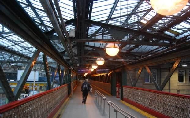 Один из переходов вокзала Уэверли