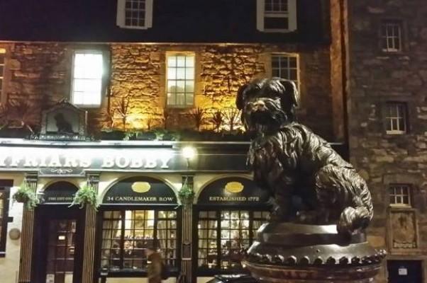 Памятник Грейфрайерс Бобби — самому преданному псу