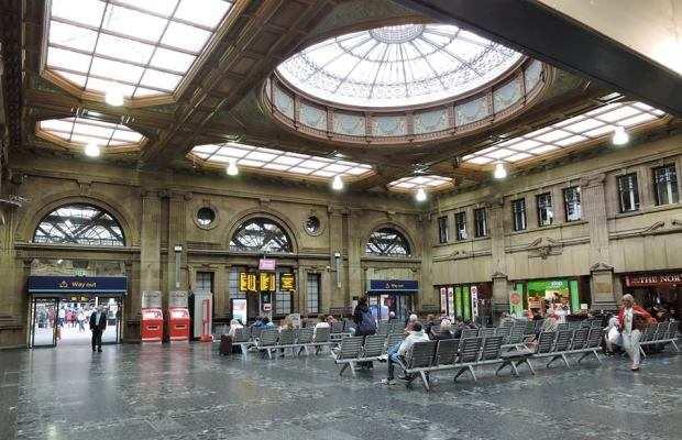 Зал ожидания на вокзале Уэверли