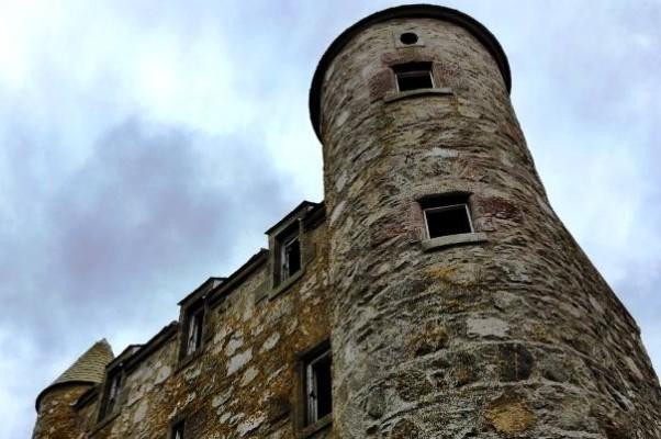 Та самая характерная круглая башня