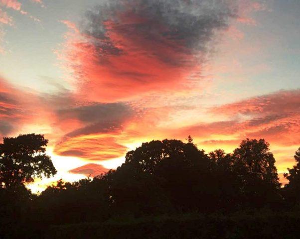 Закаты сентября 2016 — вид из окна кухни