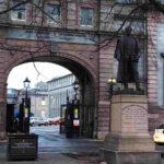 Памятник Гордону-Паше и Университет Роберта Гордона-Абердин-Что посмотреть